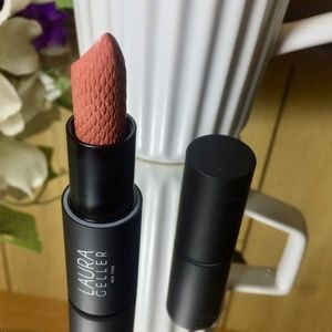 Laura Geller ICONIC BAKED SCULPTING LIPSTICK